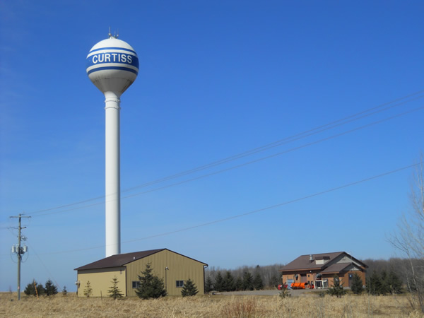Curtiss-WI-Water-Tower